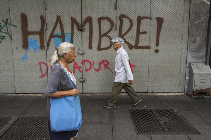 Migración ha dejado en estado de orfandad a unos 900.000 adultos mayores (I)