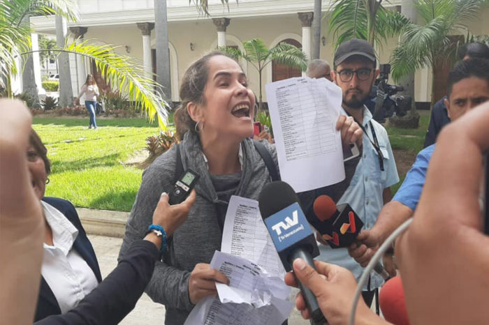 Diputada María Beatriz Martínez denuncia presencia del Sebin en adyacencias de su casa