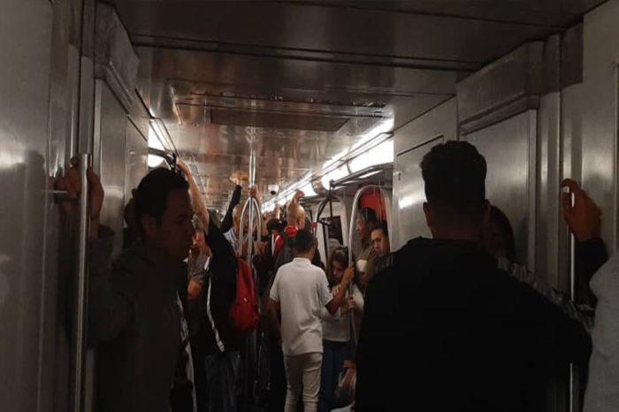 Metro de Caracas se convierte en una regadera andante