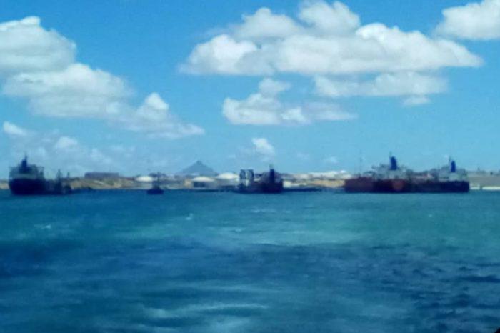 Denuncian que buques petroleros de Cuba cargaron combustible en Amuay