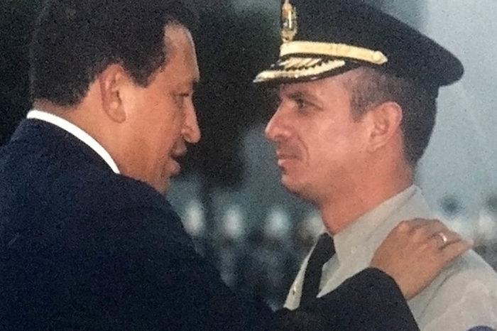 Hugo Chávez y El Pollo