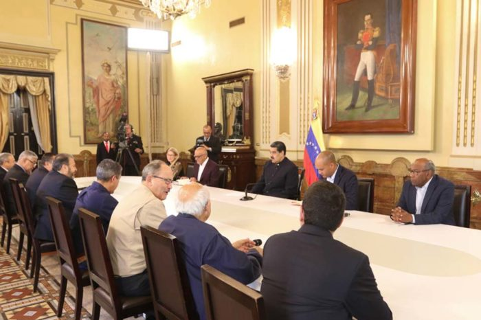 """Cambios en el sistema electoral dependen más de la """"mesita"""" que del CNE"""