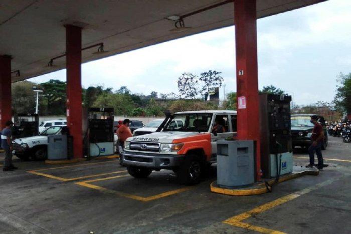 En Anzoátegui pacientes crónicos se ven obligados a comprar gasolina en dólares