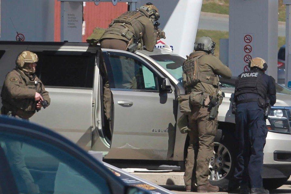 Asesinan a 16 personas en el peor tiroteo en la historia de Canadá