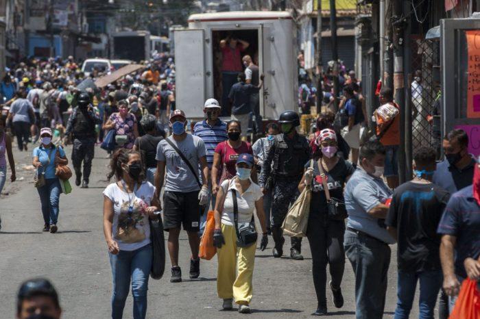 """En Catia ahora se necesita un """"carnet de movilidad"""" para circular"""