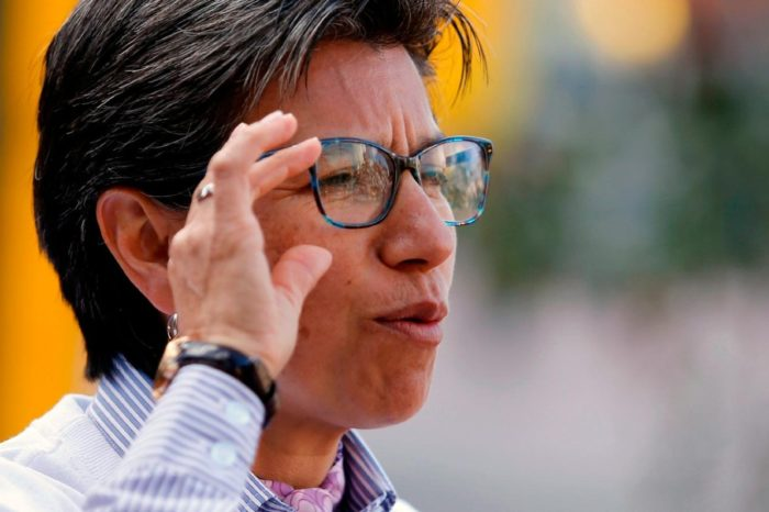 Claudia Lopez Bogotá deportar