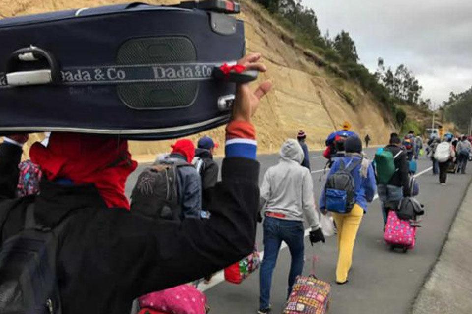 Migrantes venezolanos de regreso mujer