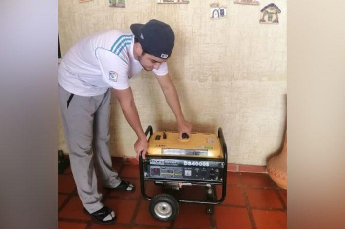 """""""Esto va para largo"""": venezolanos apagan generadores eléctricos por falta de gasolina"""