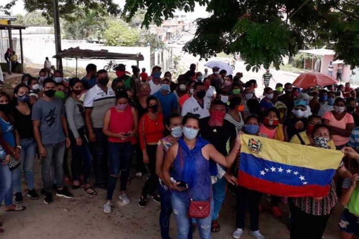 Pueblo de Tumeremo exige a militares permitir ingreso de alimentos a zonas mineras