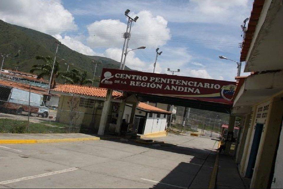 Reclusos - Centro Penitenciario de la Región Andina