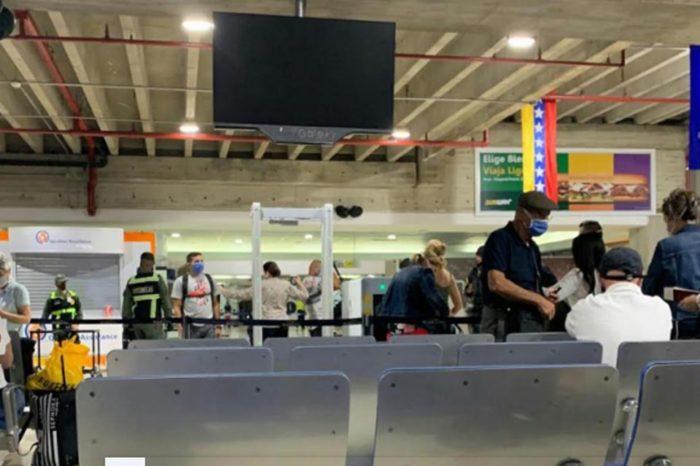 Operativo de las FAES retrasó vuelo humanitario Caracas-Madrid