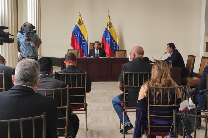 """Diputados de Parra hacen seguidilla a acusación del gobierno sobre """"saqueo"""" de Citgo"""