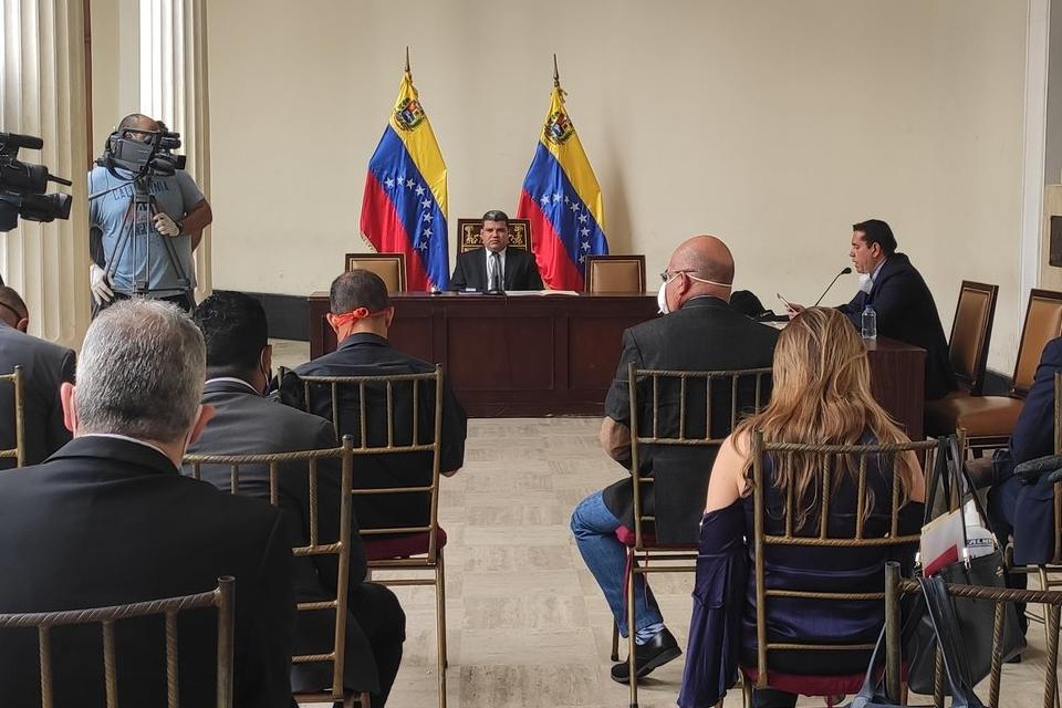 Reunión de Luis Parra