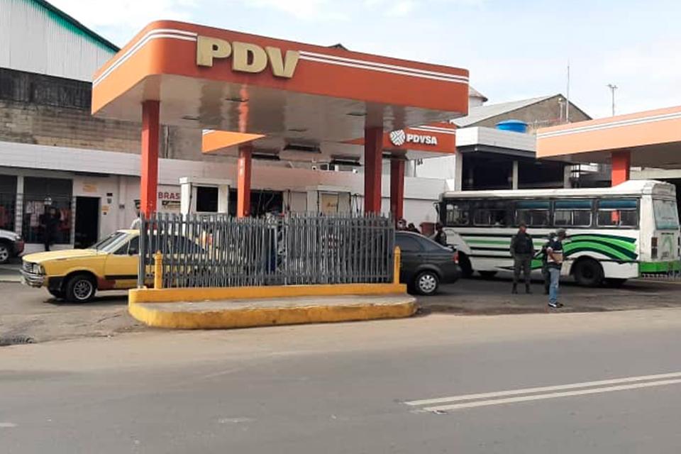 Caracas - gasolina - transportistas