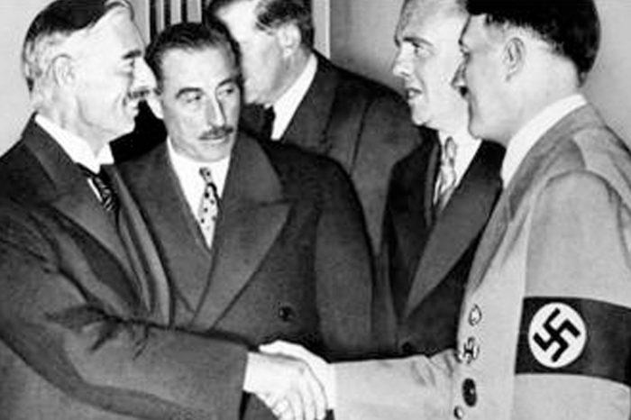 Chamberlain con Hitler
