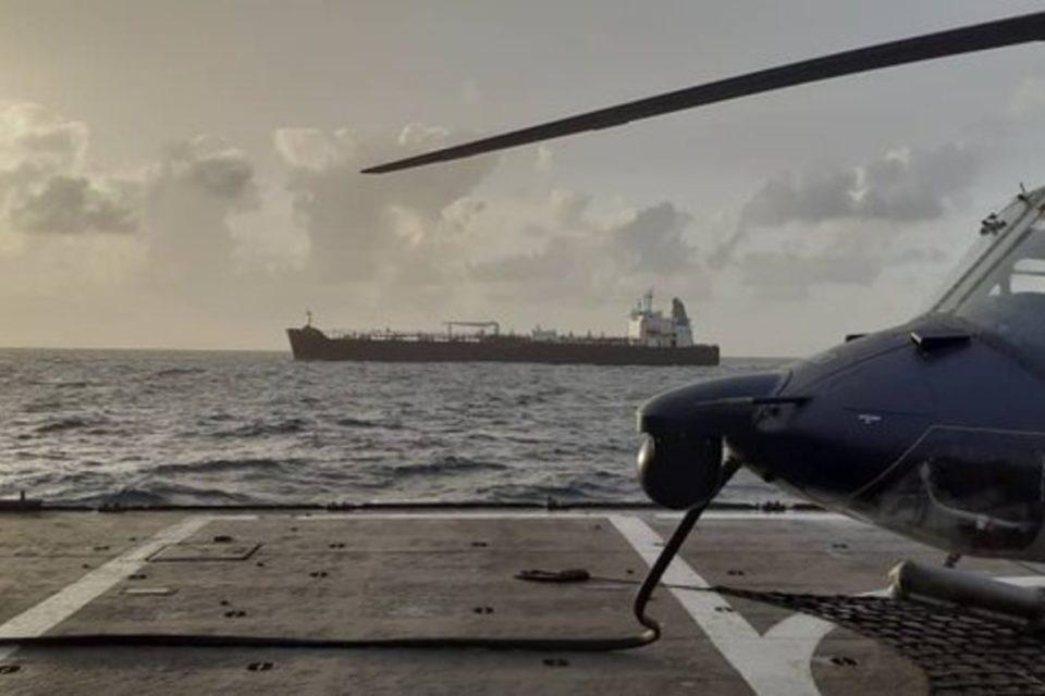 Clavel Irán armada