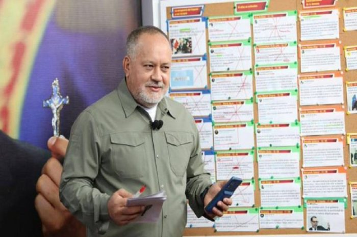 Diosdado Cabello critica celebración de San Juan