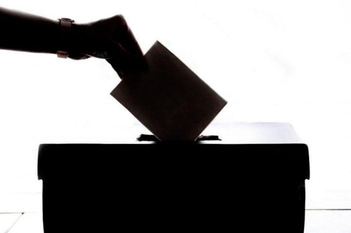 """¿Qué significa """"volver a la política""""?, por Freddy Núñez"""
