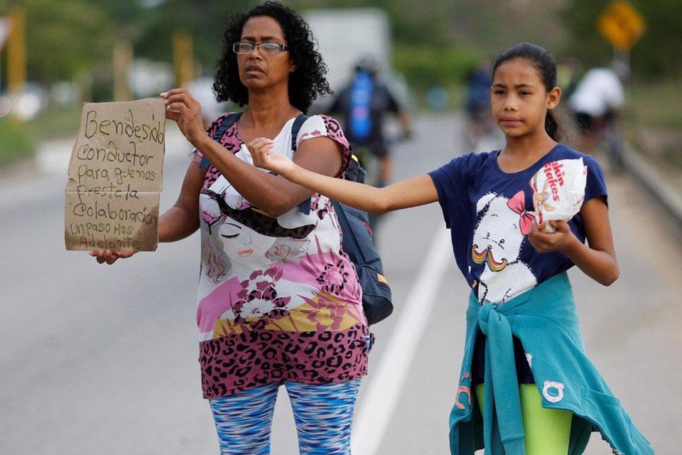Precariedad de venezolanos varados en el interior está solapada por los repatriados