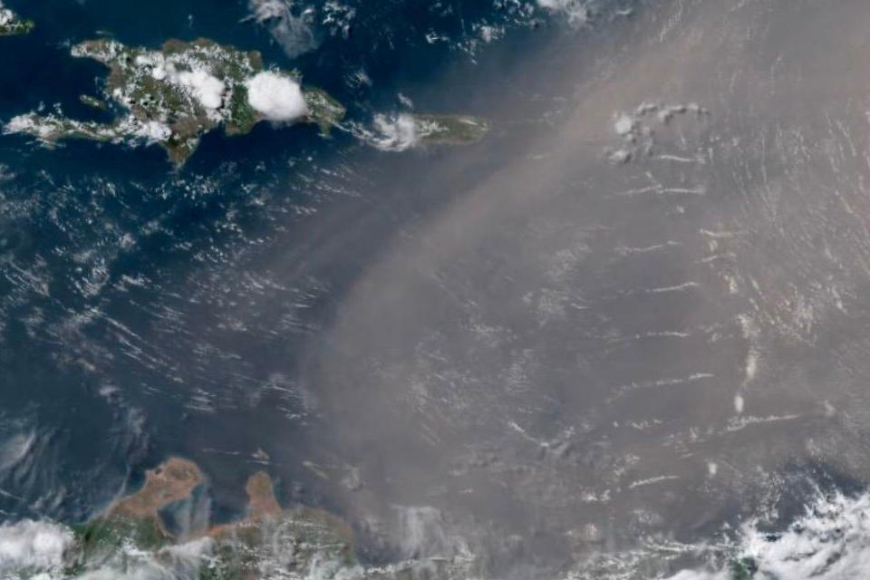 Nube de polvo de Sahara
