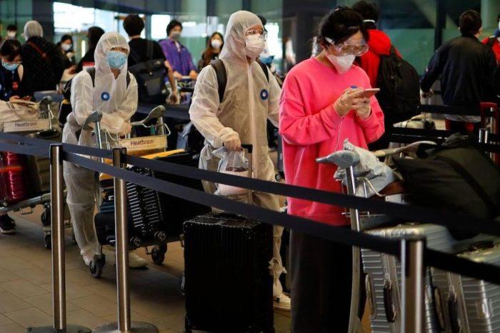 Reino Unido relajaría cuarentena por coronavirus a viajeros