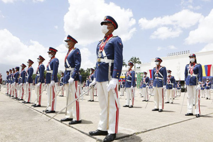 """Maduro afirma en actos del 5 de julio que """"la batalla está cruda"""""""
