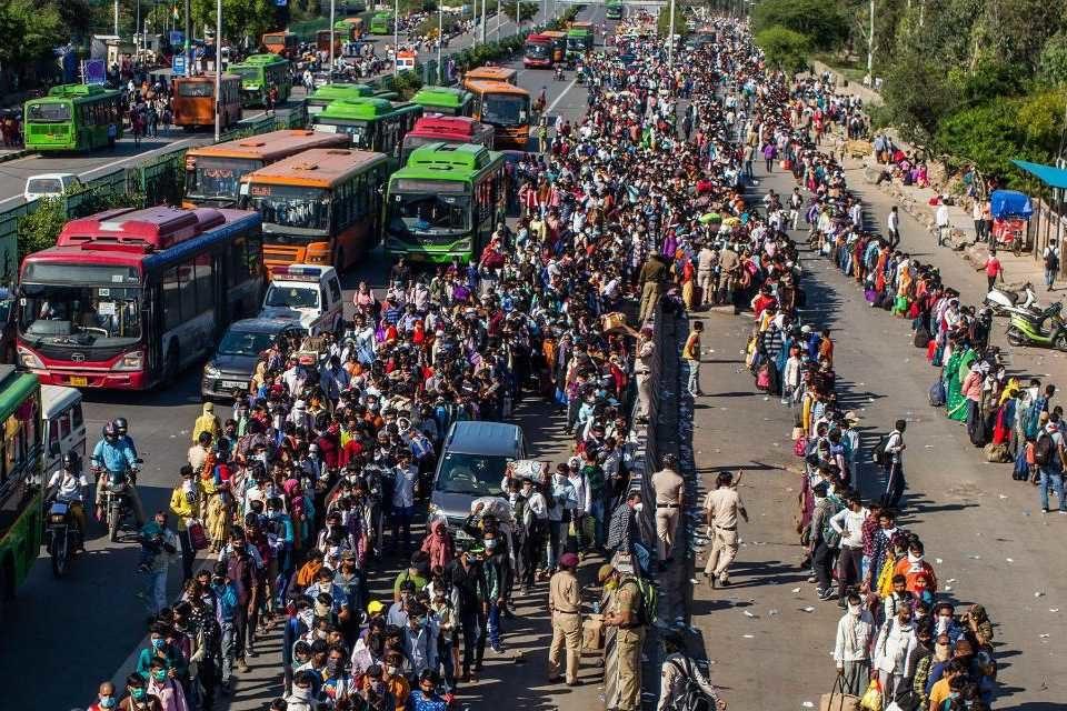 La India registró medio millón de contagiados por coronavirus en 12 días