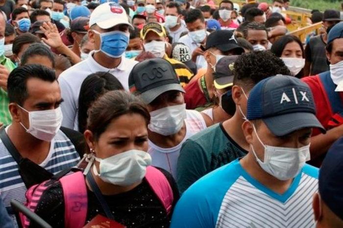 Repatriados que protestan en los refugios son amenazados por la guerrilla