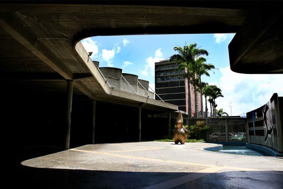 UCV plaza rectorado