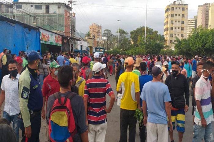 Comerciantes informales de Puerto La Cruz protestaron contra prohibición de ventas