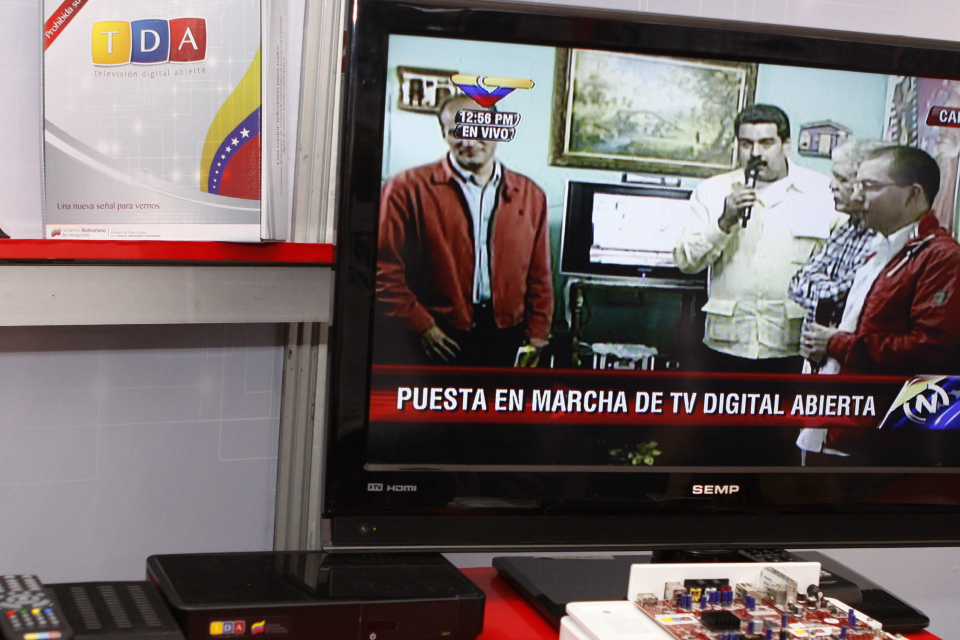 TV, propaganda, Gobierno - tv satelital