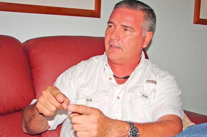Claudio Fermín se enteró que Acosta Carlez es una joyita después de hacerlo candidato