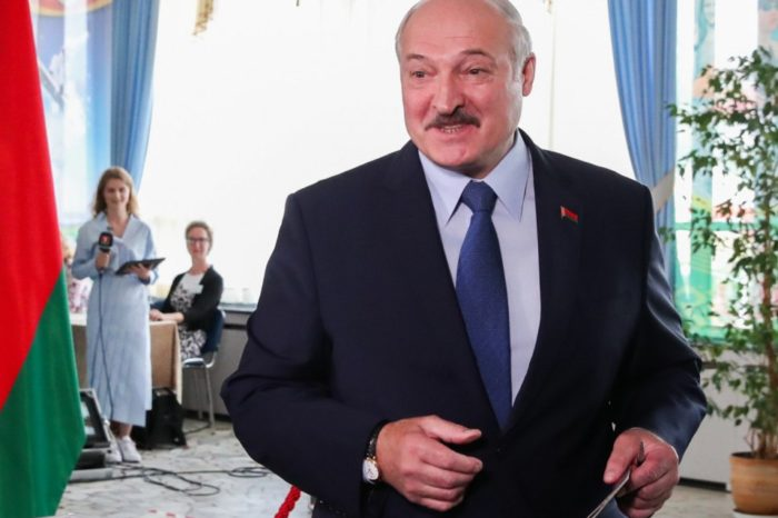 Presidente de Bielorrusia no descarta adelantar elecciones