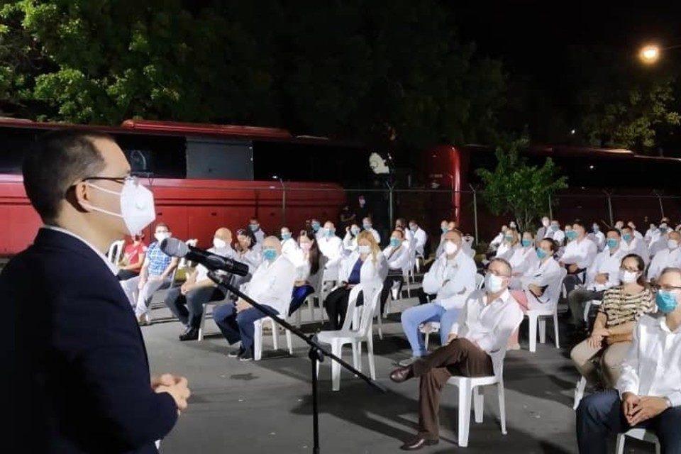 Arreaza Medicos cubanos