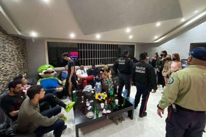 """Detenidos en """"coronafiesta"""" de Chacao estarán presos en casa hasta acabar la cuarentena"""