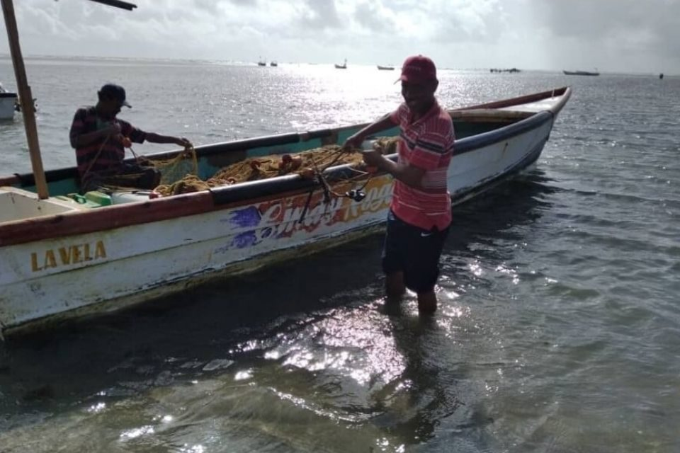 Derrame petrolero - pescadores