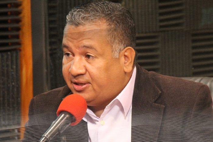 Constituyente Esteban Arvelo: Sería bueno que Rafael Simón Jiménez diga quién lo presionó