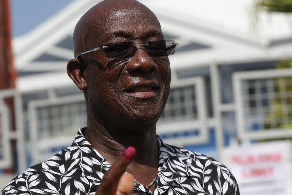 Gobierno se declara ganador de las elecciones en Trinidad y Tobago