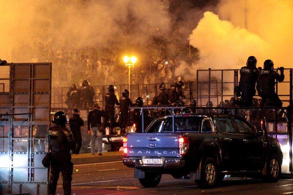 Policía de Bielorrusia utilizó fuego real contra los manifestantes