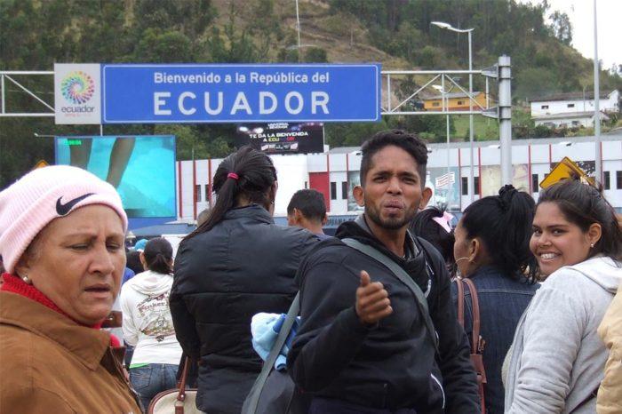 Ecuador asegura que otorgó más de 64.000 visas a venezolanos en el último año