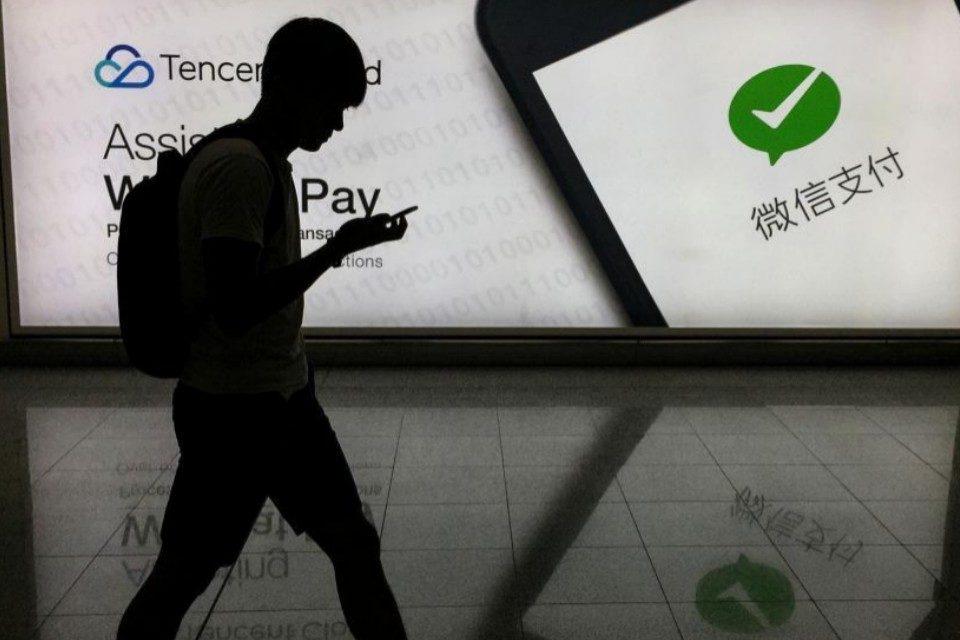 China amenaza con un boicot a Apple si EEUU bloquea WeChat