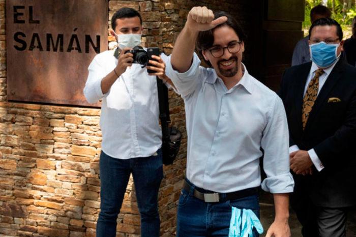 Freddy Guevara salió de la embajada de Chile tras tres años de estar como huésped