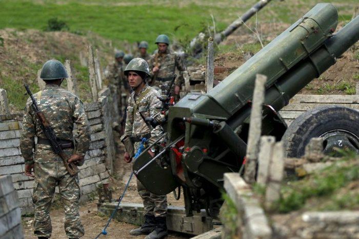 Unos 15 soldados mueren en enfrentamientos entre Armenia y Azerbaiyán