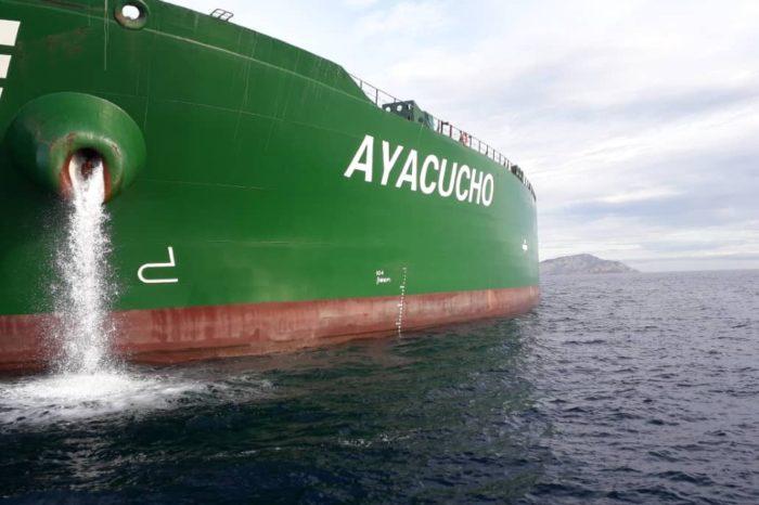 """Tanquero """"Ayacucho"""" hace su primer viaje internacional tras sanciones impuestas en 2019"""