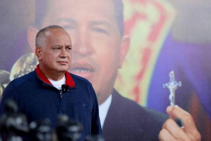 Cabello acusó al embajador de España de facilitar la salida de López