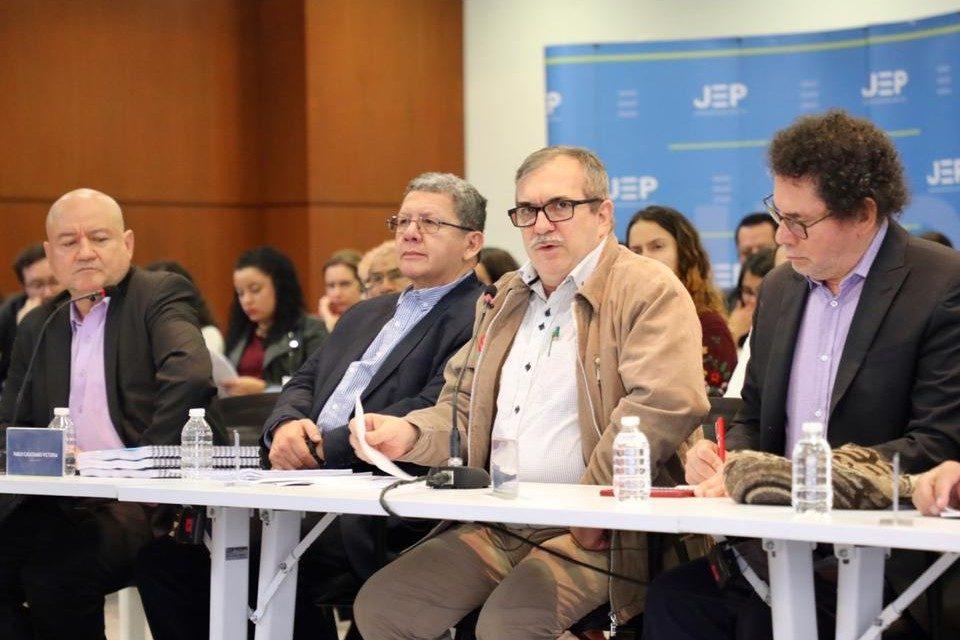 Excomandantes de las FARC pidieron perdón por secuestros en Colombia
