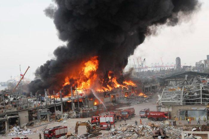 Gran incendio en puerto de Beirut destruyó ayuda humanitaria