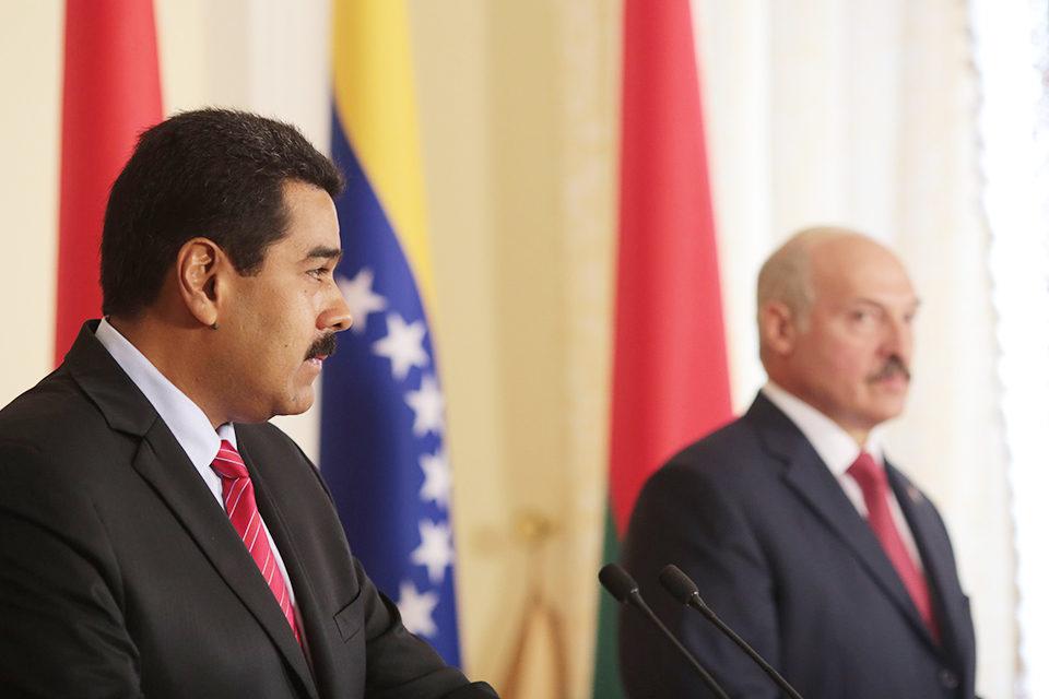 """Lukashenko y Maduro son """"peones geopolíticos"""" de Vladimir Putin"""