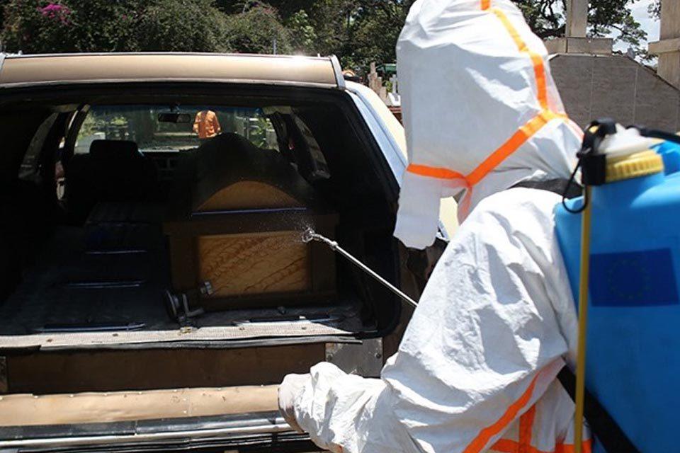 En San Cristóbal, muertos por covid-19 van a fosas comunes por falta de plata - duelo covid-19