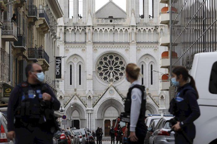 Tres muertos deja presunto atentado terrorista en Francia